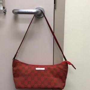 🌴NEW LISTING🌴 Gucci shoulder Handbag